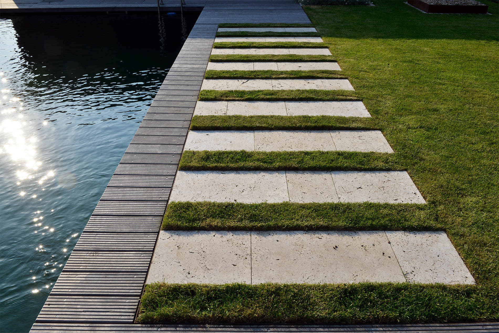 Gartenplatten aus Travertin von TRACO