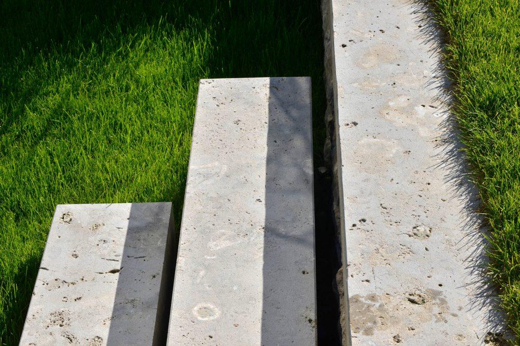 Limes Dolomit® Naturstein Blockstufen von TRACO