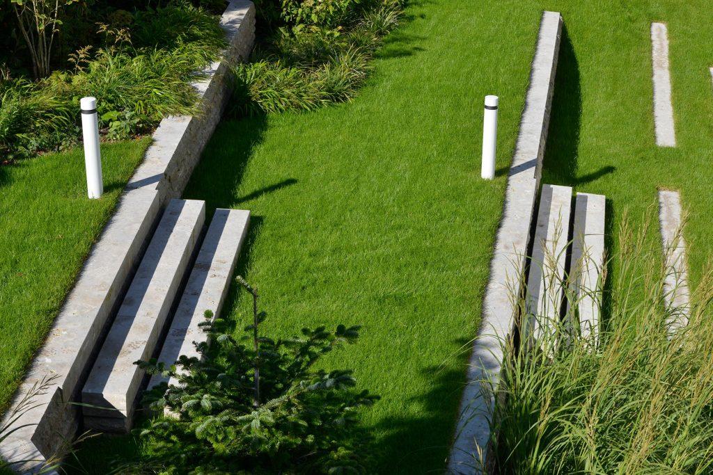 Limes Dolomit® Naturstein Mauersteine und Blockstufen von TRACO