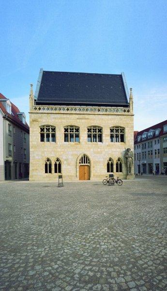 Ansicht einer Fassade aus Naturstein
