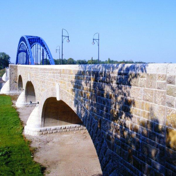 Natursteinbrückenrestaurierung