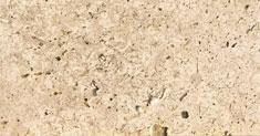 Detailansicht TRACO Naturstein Travertin Sonderbuch beige mit geschliffener Oberfläche