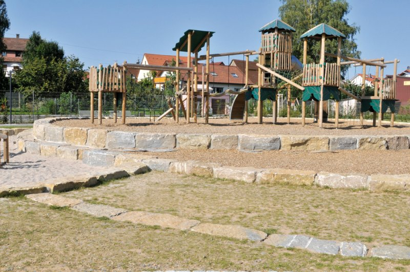 Spielplatzgestaltung mit Olymp Quader von TRACO