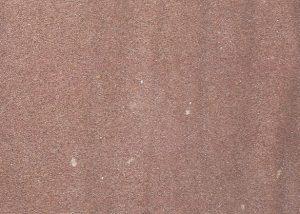 Detailansicht TRACO Naturstein Uder Sandstein rot bis rot-weiß mit geschliffener Oberfläche