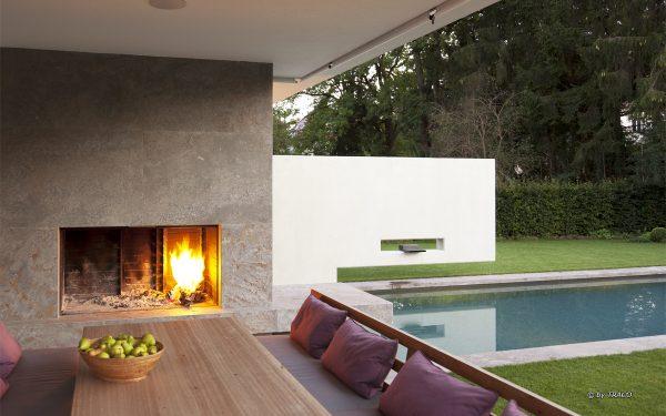 Gestaltung einer Villa im Innen- und Außenbereich mit Natursteinen von TRACO