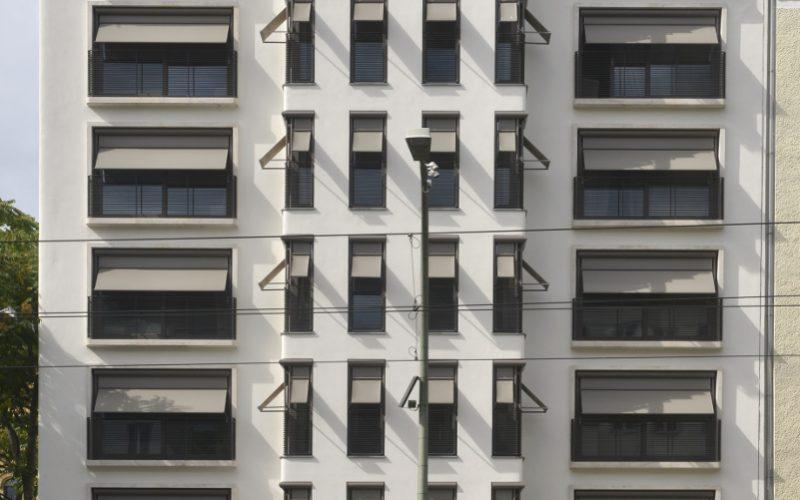 Fassade aus Naturstein von TRACO