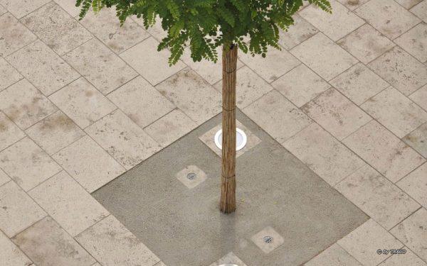 Natursteinbodenplatten und mit Lichtern aus Natursteinen von TRACO aus der Vogelperspektive