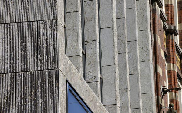 Fassaden sowie Säulen- und Stützenbekleidungen aus Kalkstein Edelgrau