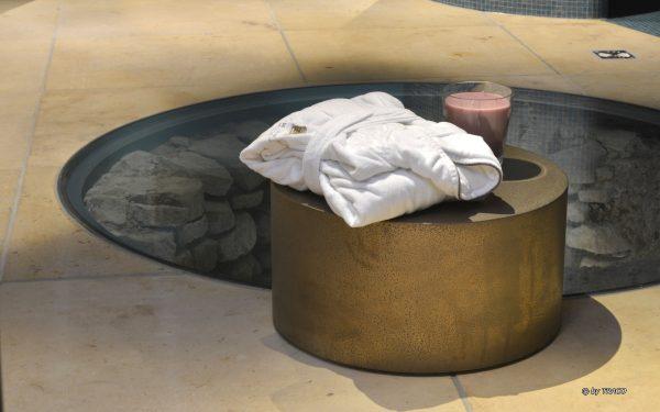 Spa Goldener Löwe mit Bodenbelag aus gelben Seeberger Sandstein von TRACO