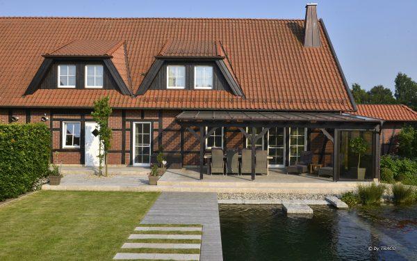 Wegeplatten, Blockstufen und Terrassenplatten aus beigem Travertin Bauhaus und Travertin Thüringen von TRACO