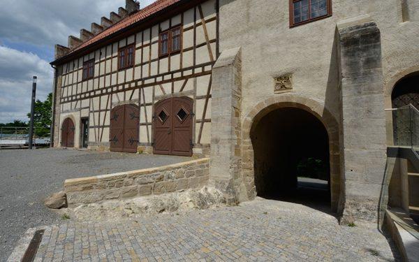 Restaurierung der Veste Heldburg mit Natursteinen von TRACO