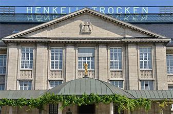 Wiesbaden Henkel Werke TRACO Natursteinfassade Steinmetzarbeit