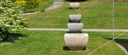Garten mit Pflanzschale Starnberg von TRACO aus Travertin Bauhaus