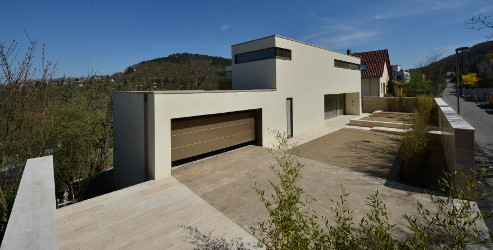 Fassade aus TRACO Multifunktionsstein