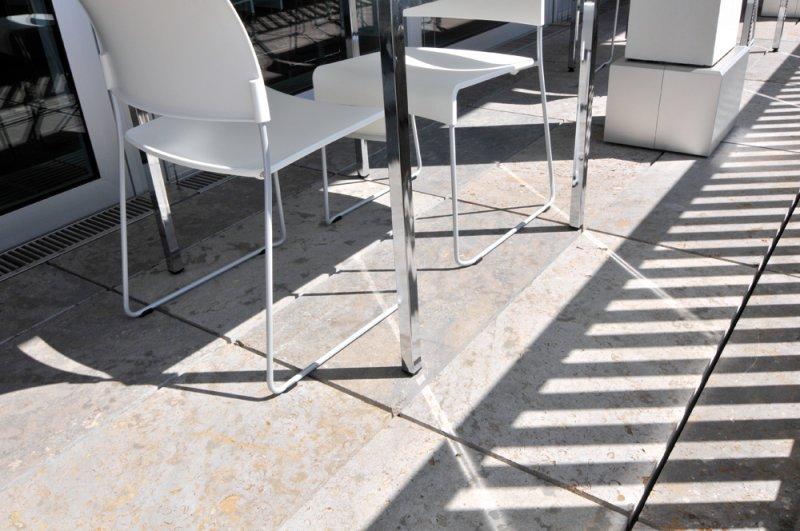 TRACO Bodenplatten Muschelkalk