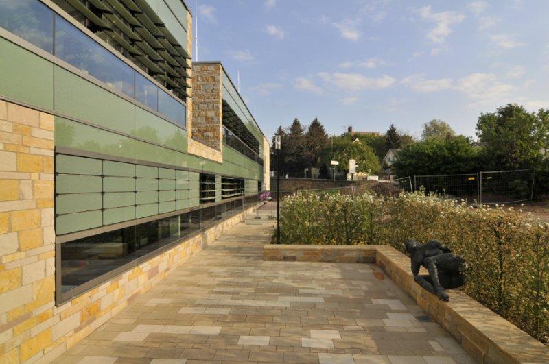 TRACO Massive Fassadenplatten aus Sandstein Seeberg, Sandstein Nebra, Sandstein Uder