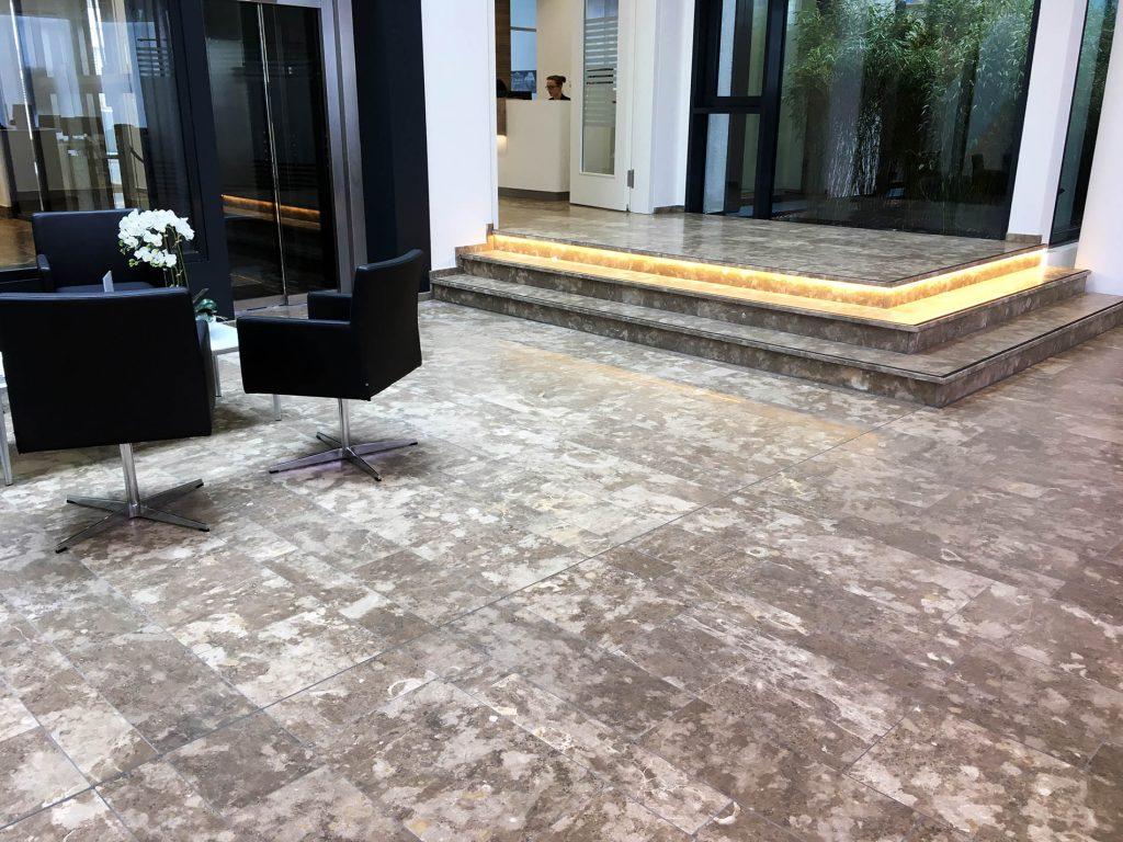 Limes Dolomit® Natursteinboden von TRACO