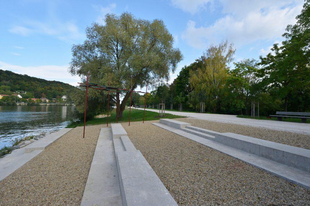Schillerwiese - Regensburg, Blockstufen aus Limes Dolomit® von TRACO