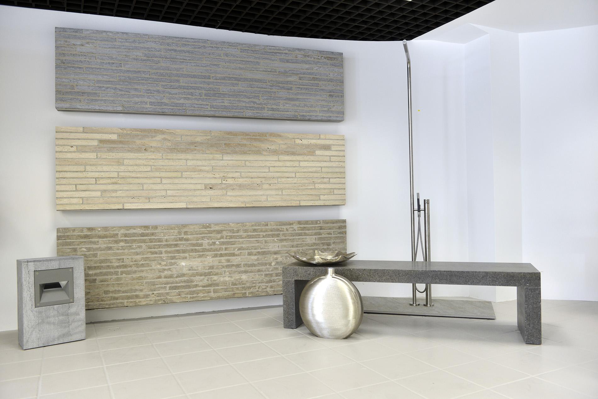 TRACO Cube Riegel® aus Kohlplatter Muschkalk edelgrau, Limes Dolomit® und Bauhaus Travertin