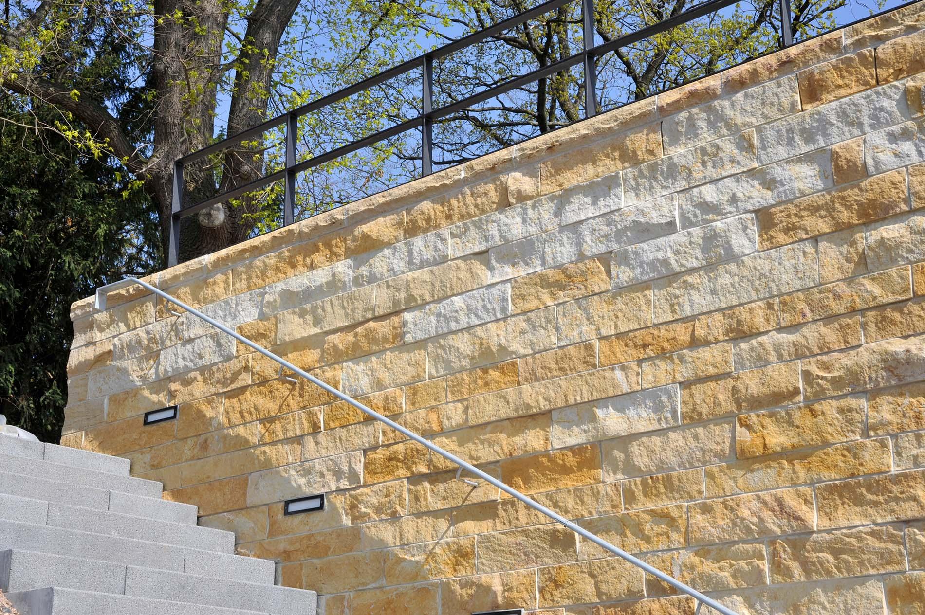 Mauersteine aus Seeberger Sandstein von TRACO