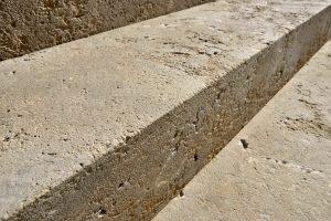 Blockstufen aus Limes Dolomit® von TRACO