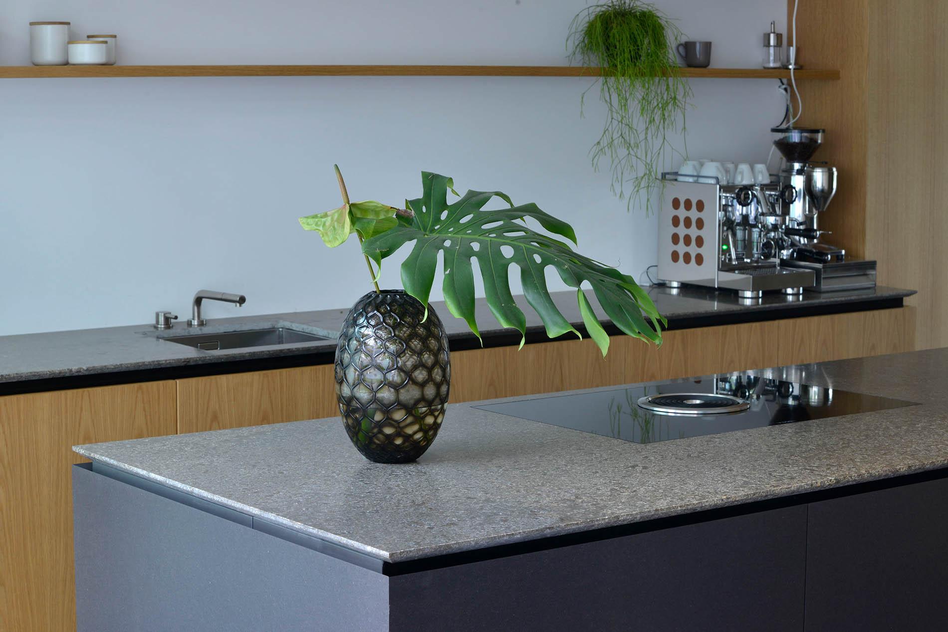 Naturstein Küchenarbeitsplatte aus Muschelkalk