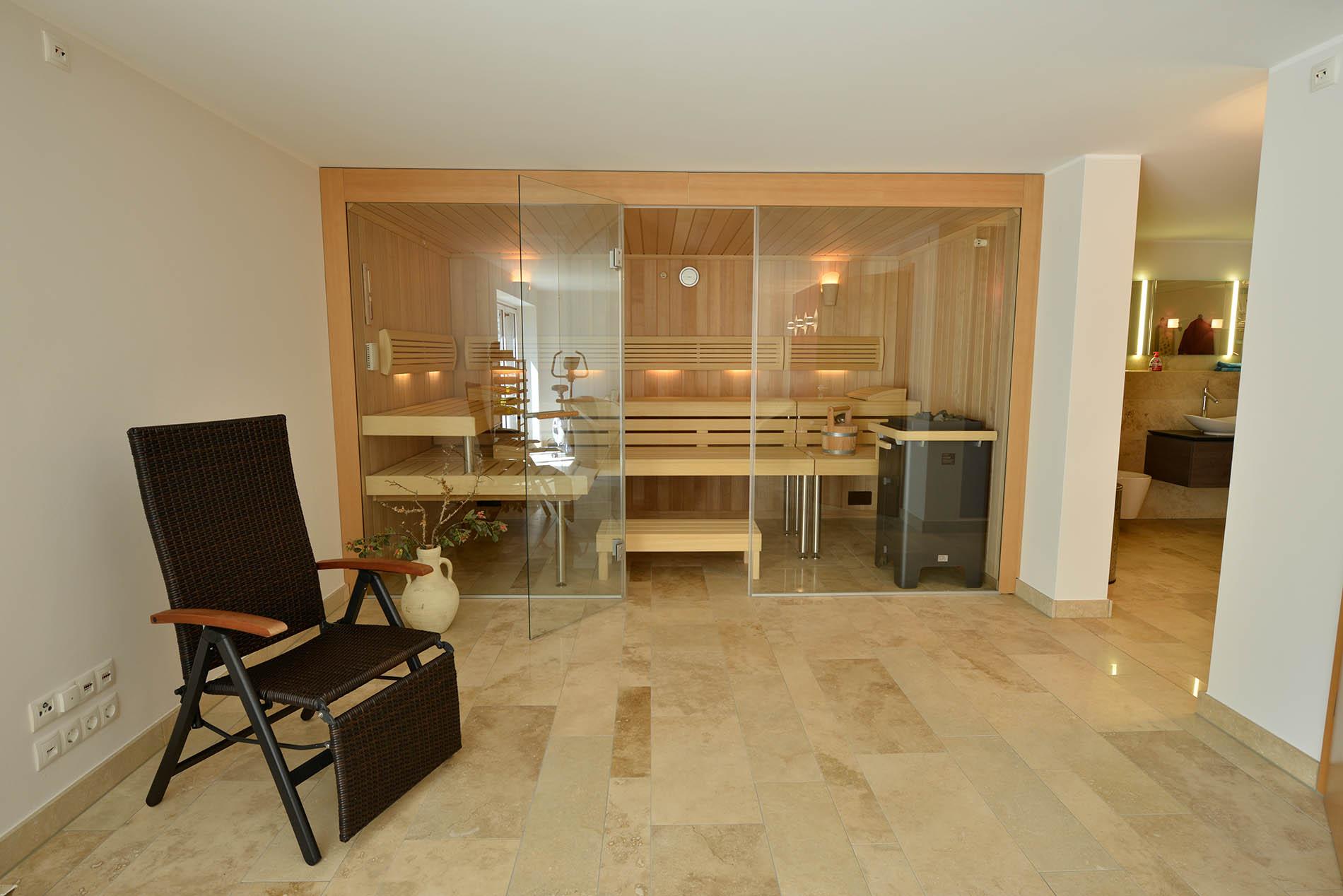 Bodenplatten aus Bauhaus Travertin