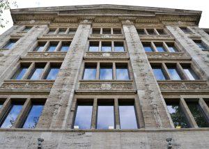 Robert Bosch Haus in Berlin mit einer Fassade aus Thüringer Travertin von TRACO