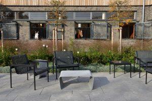 Melisa-Reitsport in Dreieich - mit Terrassenplatten aus Limes Dolomit® von TRACO
