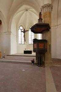 Kirche St.Nicolai in Oschersleben - Bodenbeläge aus Friedewalder Quarzsandstein