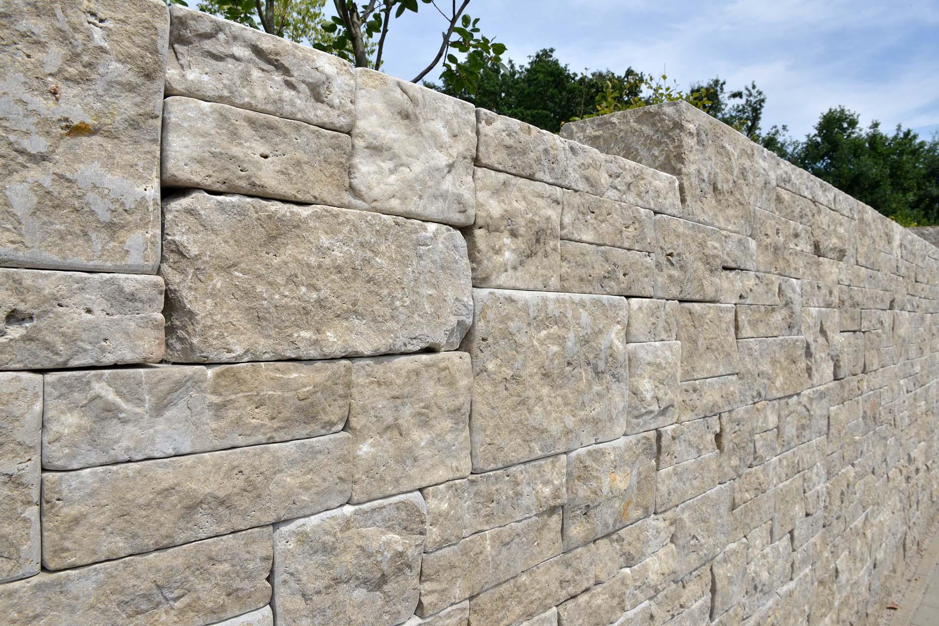 Naturstein Mauersteine aus Limes Dolomit®